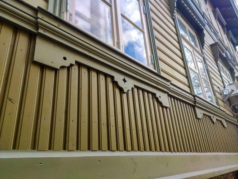 Aknakarniisid PROF2, iludetailid, vertikaalne vooder UYKVs, veelaud ja vöölaud Magasini 3 Tallinn